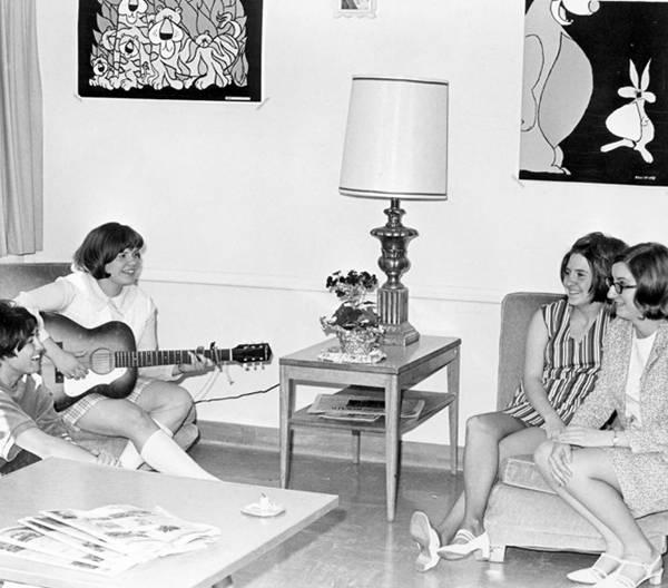 1970s dorm life