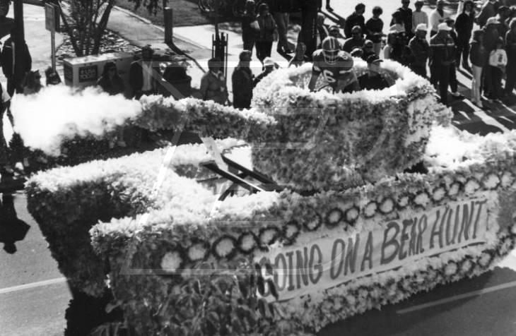 1990s Homecoming parade