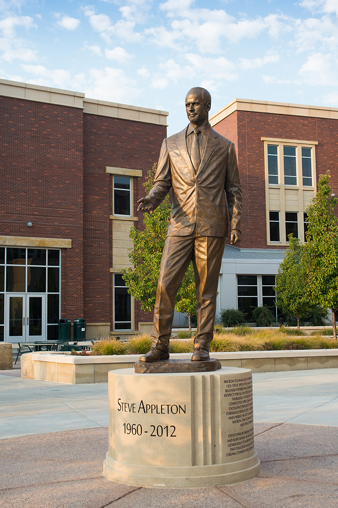 Steve Appleton statue in the ICCU Plaza
