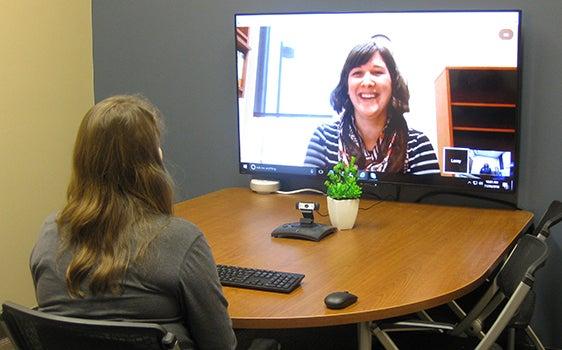career advisor meeting with a student virtually
