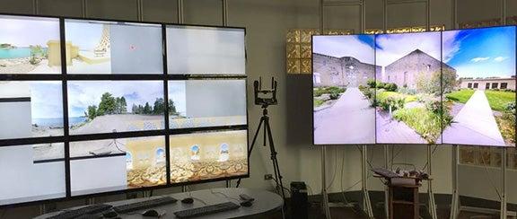 HoloShots: Photorealistic Immersive Virtual Reality