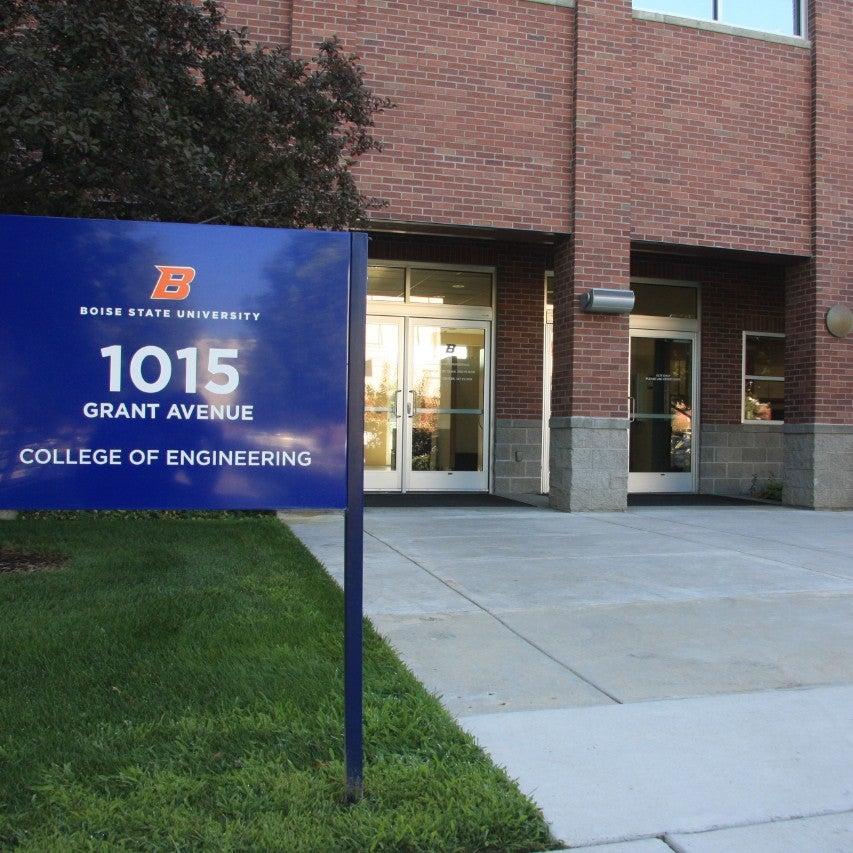 Entrance to Grant Avenue Annex