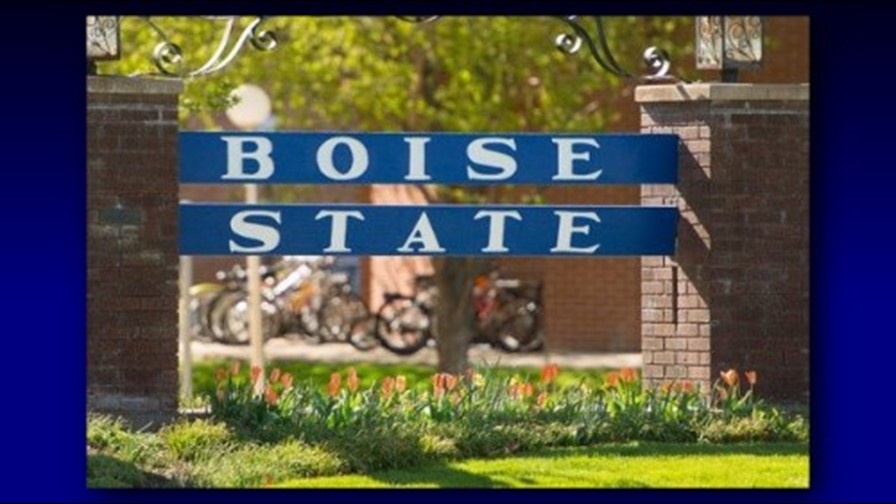 A Boise State campus sign
