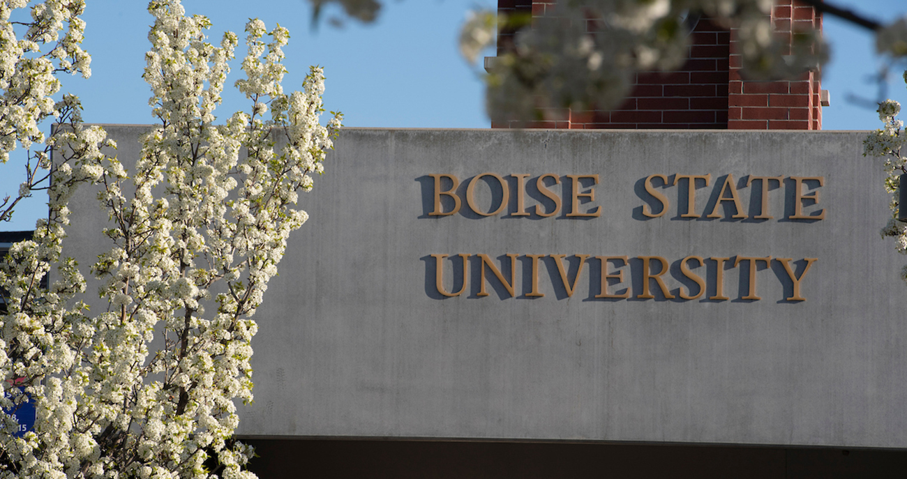 Boise State University sign with spring flowers