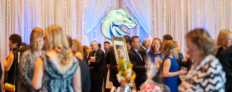 Boise State Auction attendees