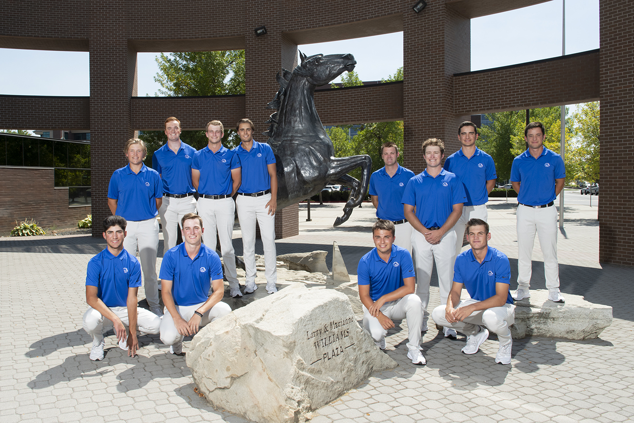 Mens Golf, team outdoor portrait, Hall of Fame, photo Patrick Sweeney