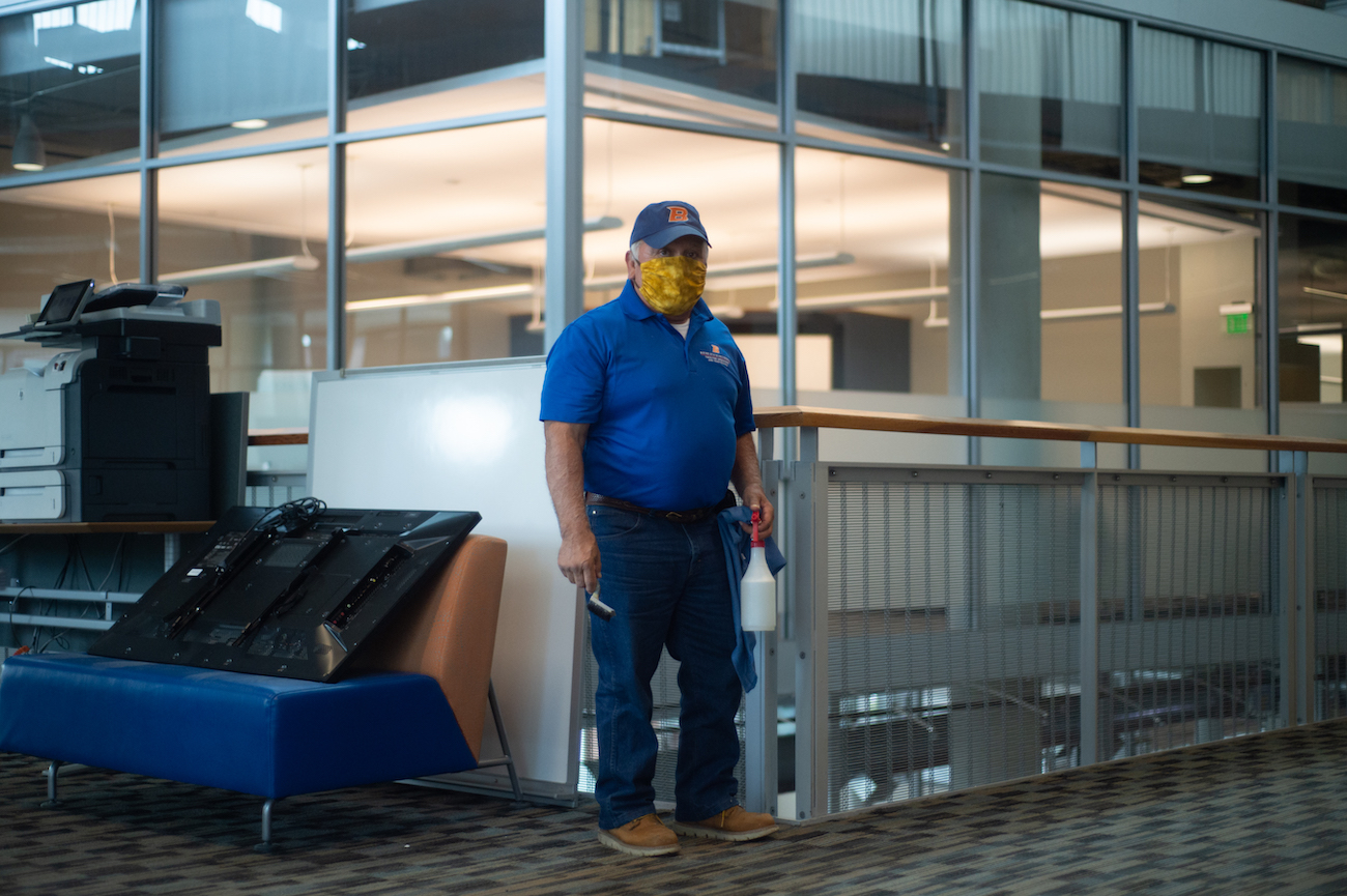 Essential workers, campus scenes, April 2020, photo Patrick Sweeney