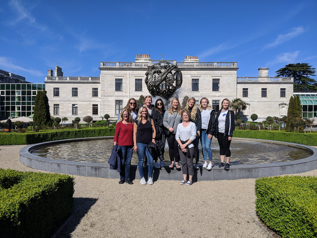 Students and faculty posing outside musuem in Ireland