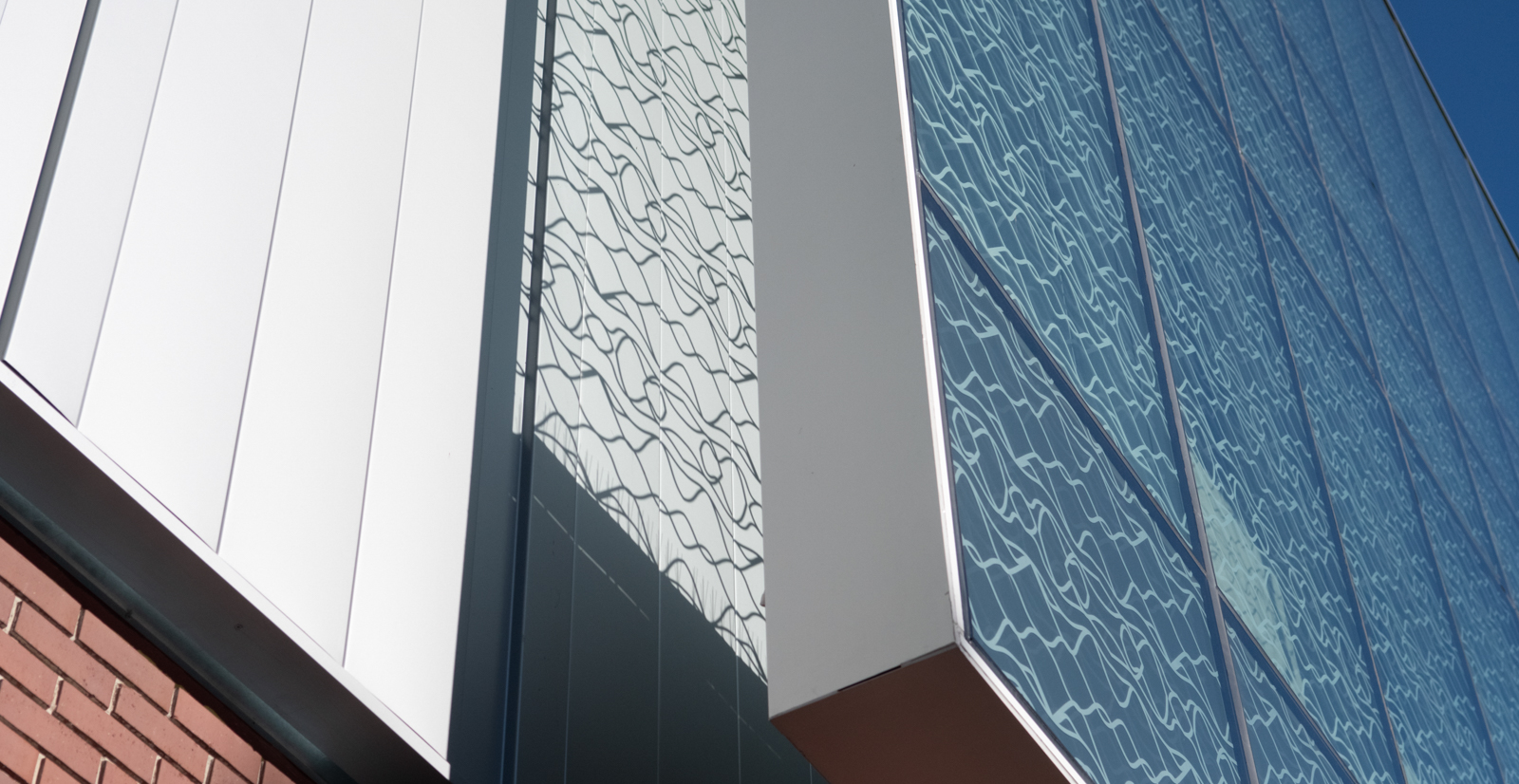 Glass paneling on outside of Materials Research building