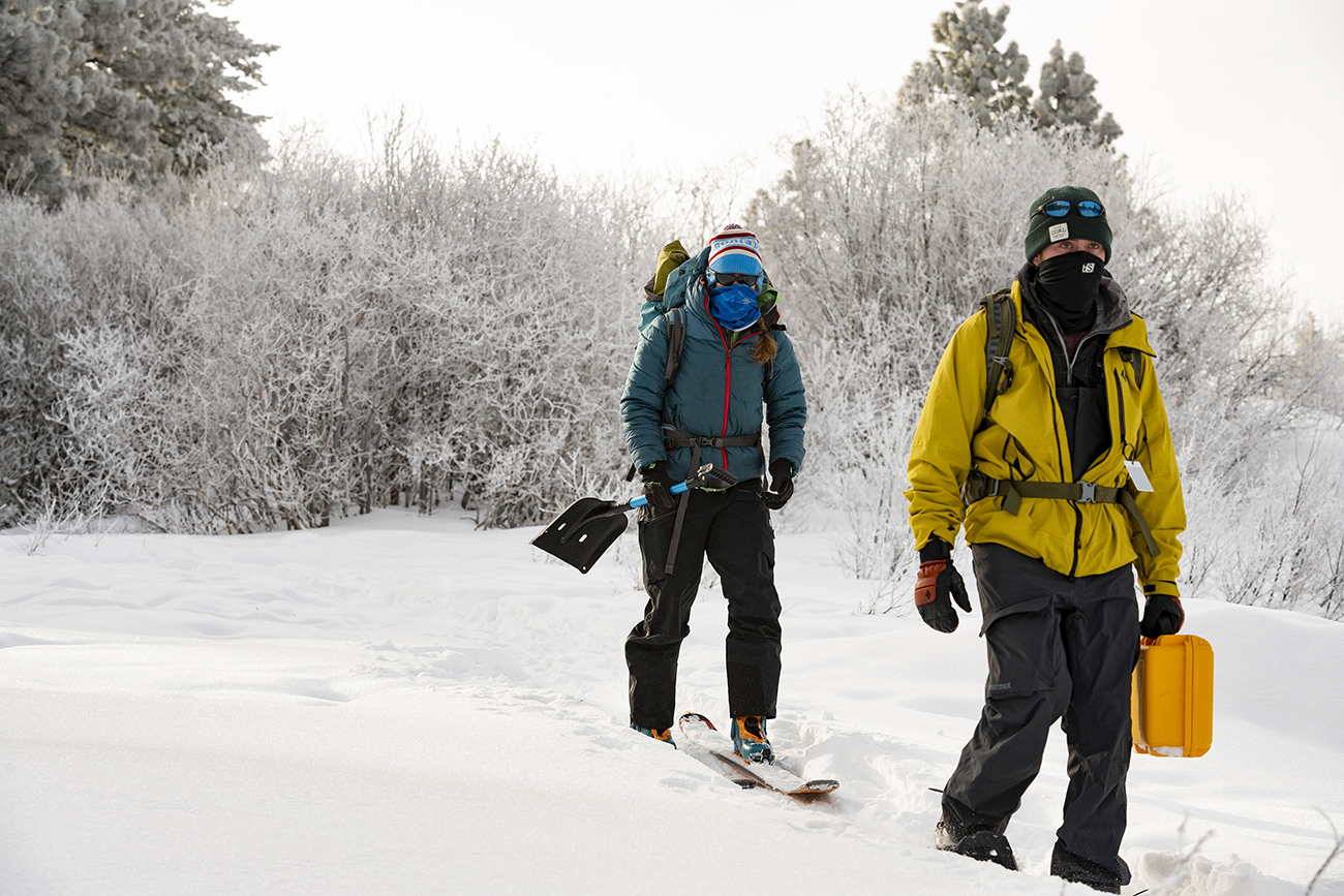 Hp Marshall and Geophysics students conducting snow research