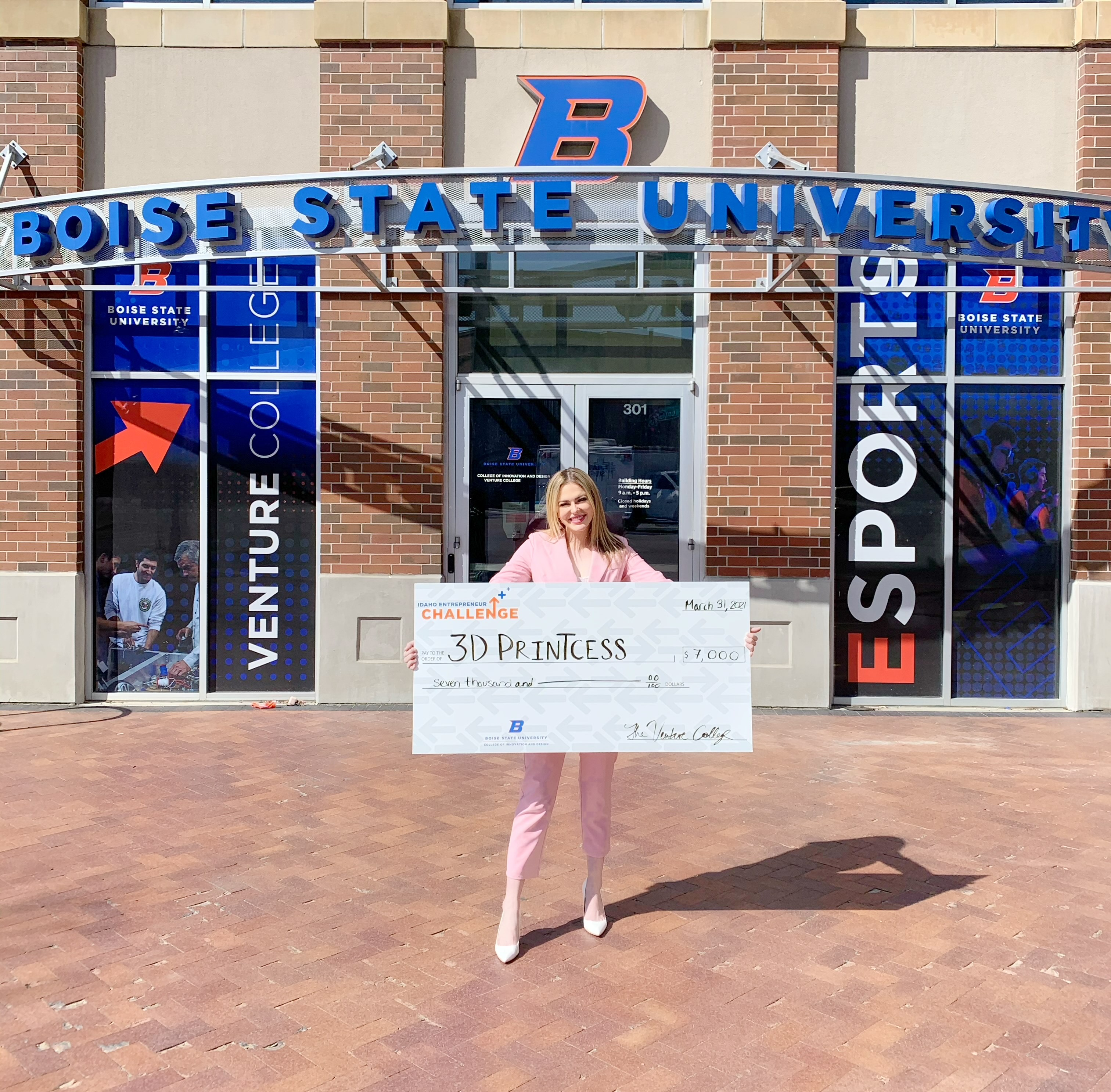 Sierra holding check for 3D Princess, $7,000